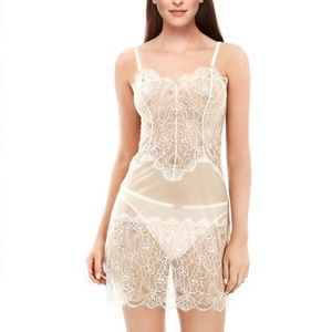 B. Tempt'd  NWT lace Chemise Size Small